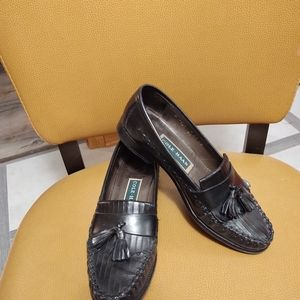 Ladies Cole haan loafers